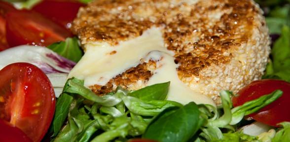 Camembert w sezamie