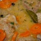 Polędwiczki-z-marchewką-w-delikatnym-sosie-chrzanowym