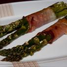 Szparagi zapiekane w szynce parmeńskiej